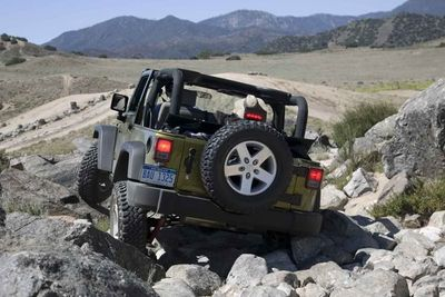 2008-jeep-wrangler-rubicon-rear-view