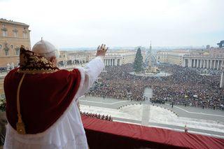 Pope+Delivers+Urbi+Et+Orbi+Blessing+St+Peter+BWd0u3jKFkql