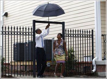 Obama-umbrella-545