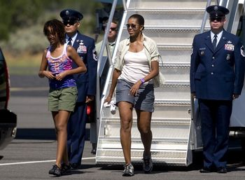 Michelle-obama-in-shorts-1024x752