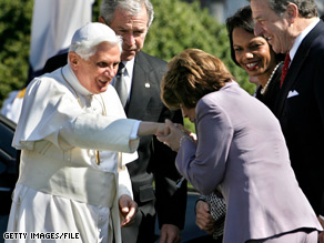 Art.getty.pelosi.pope