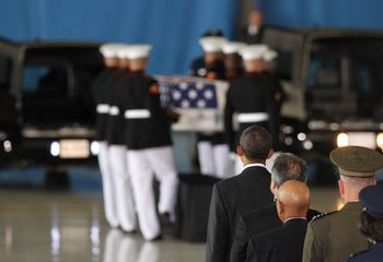 Barack+Obama+Obama+Attends+Transfer+Remains+BH1WHV0dsWel